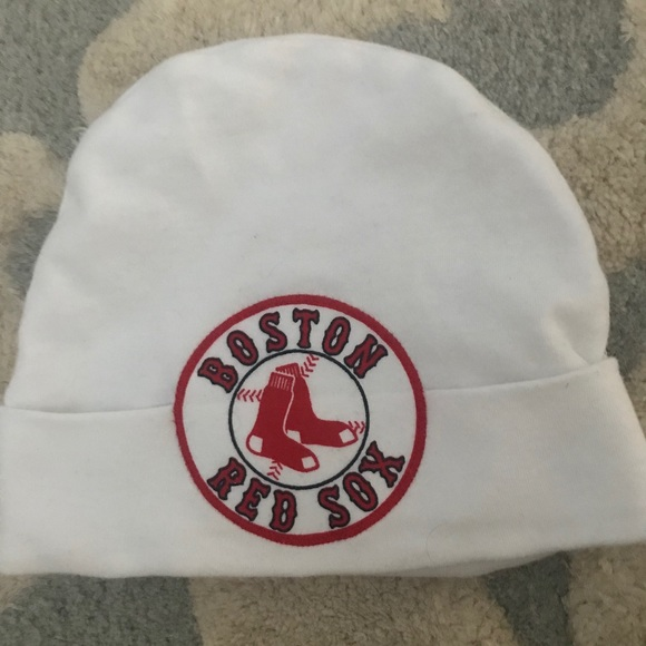 5d4a9b2114c Baby infant Boston Red Sox beanie hat. M 5b6a3892fb3803040e5c6e60